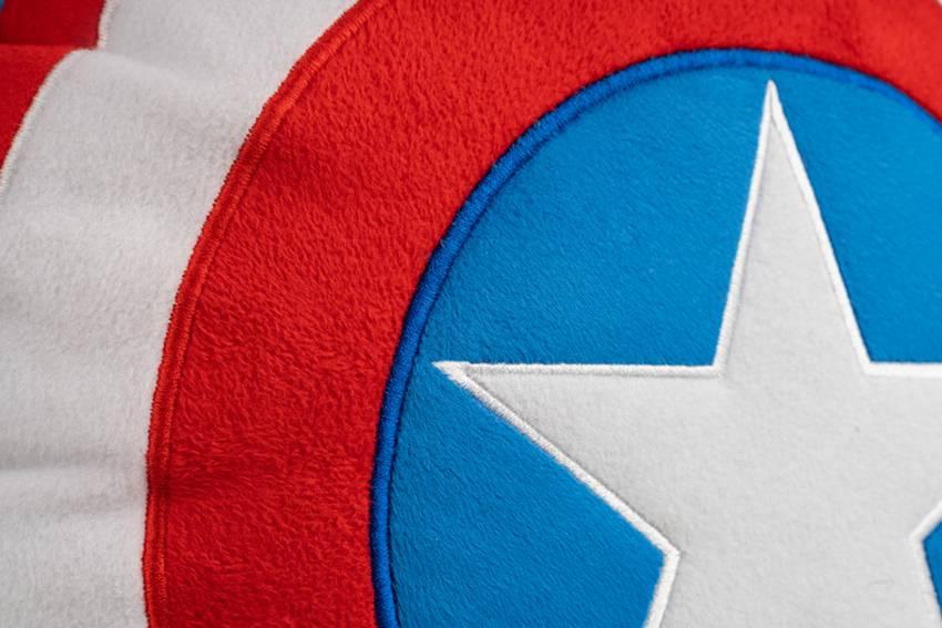 کوسن سپر کاپیتان امریکا
